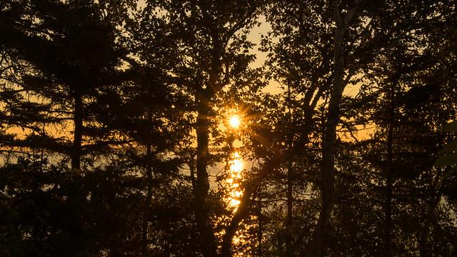 Lever du soleil, sunrise, Saint-Siméon, PQ, Canada - 07383