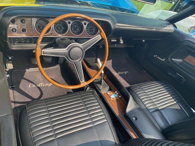 1970 Dodge Challenger convertible - Dashboard