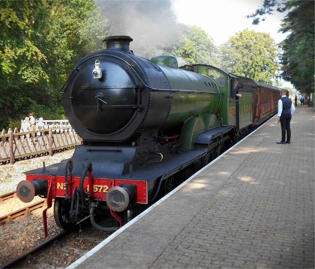 8572 B12 4-6-0  Weybourne  180921