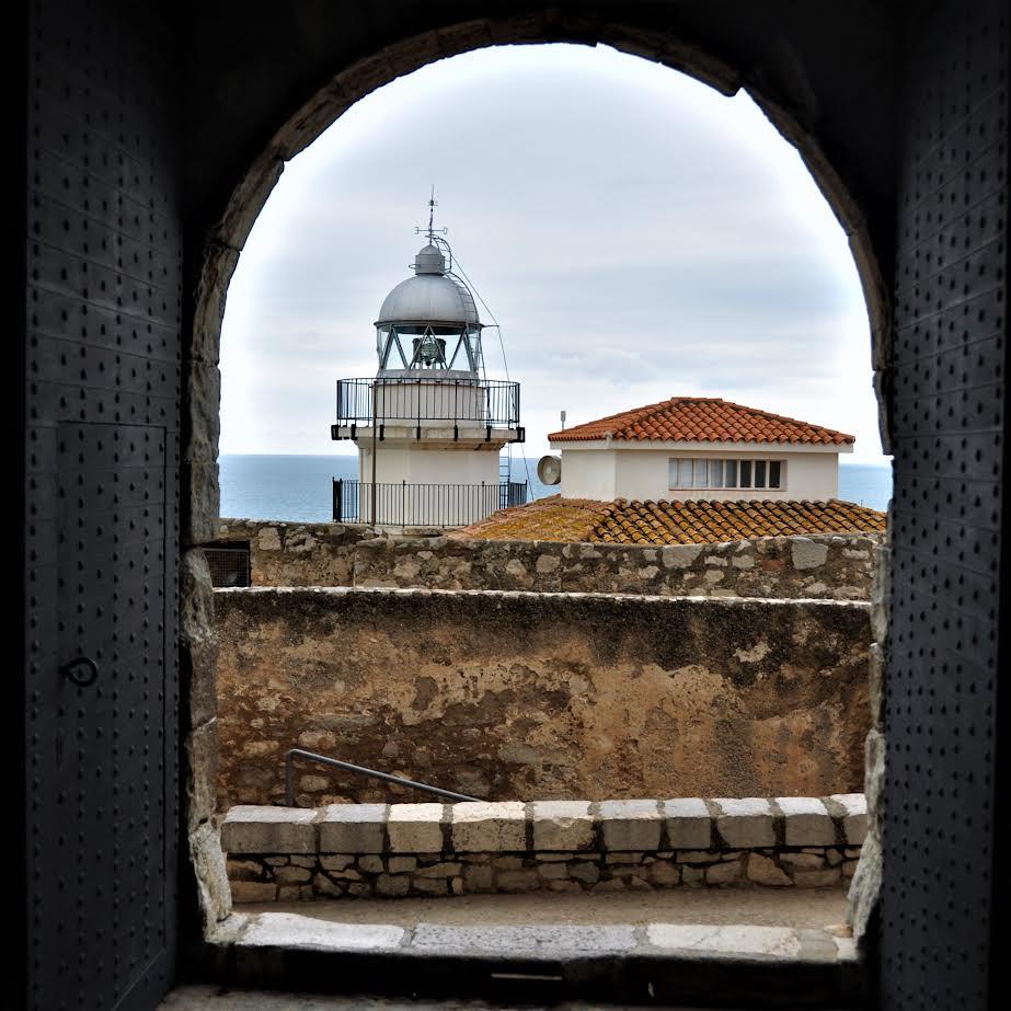 faro y puerta-PEÑISCOLA-Castellón