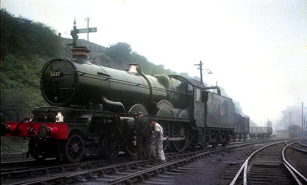 GWR 'Castle Class 4-6-0' 5037 Monmouth Castle, Worcester - 1958