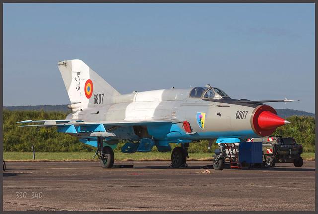 Mikoyan-Gourevitch MiG-21 MF ( Lancer ) -  Romania Air Force