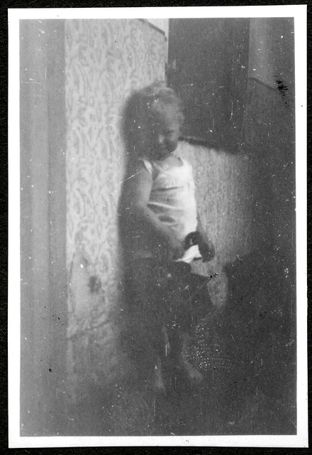 ArchivTappen24Album7o94 Kind, Gerhard Lobermeyer, Augsburg, 1930er