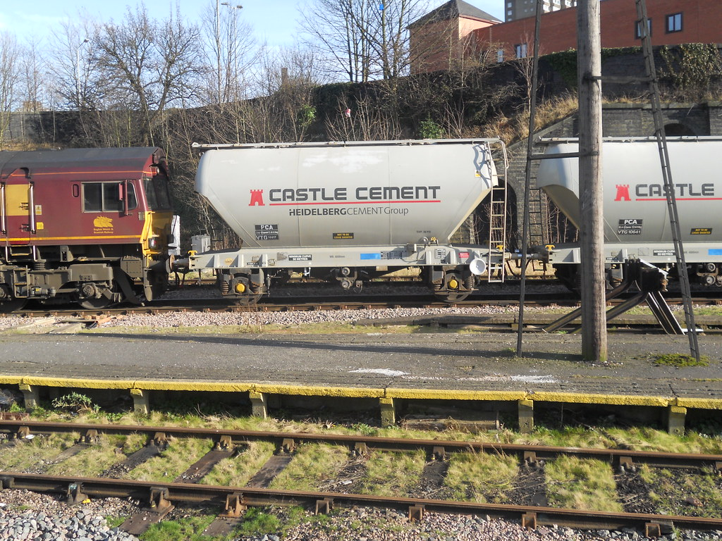 Castle Cement wagon at Leicester