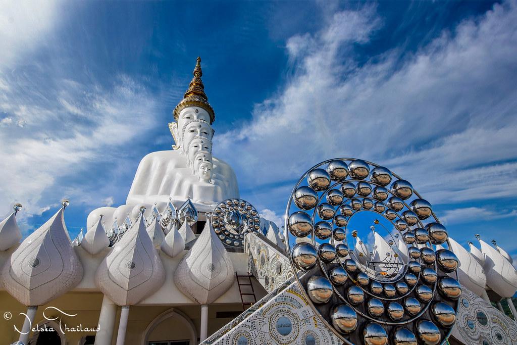 The five Buddha - Wat Phra Sorn Kaew - North Thailand