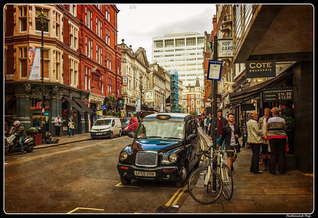 London_St Martin's Ln.