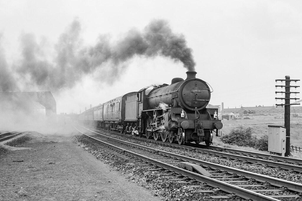 B1 Reedbuck BR 61031 at Doncaster North Junction 11-07-1964