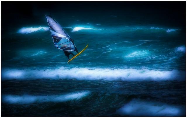 Windsurfer.  ( 3/3 )