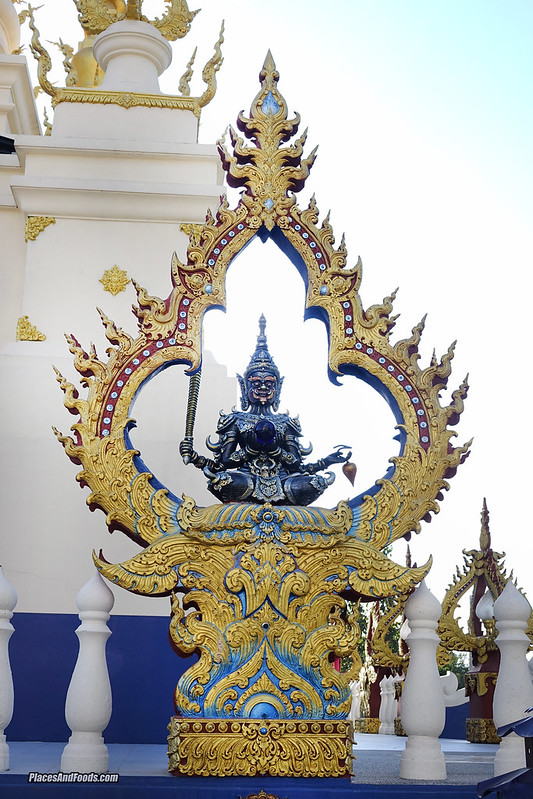 Wat Rong Suea Ten Blue Temple sculpture
