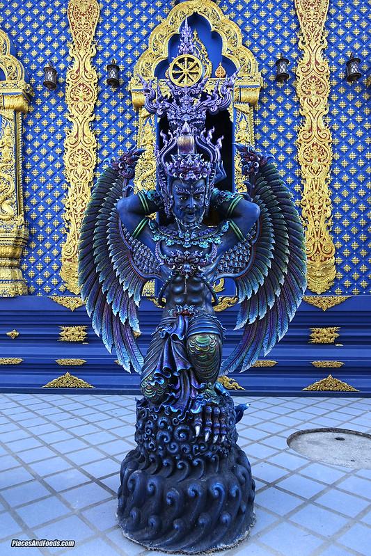 blue temple chiang rai thailand