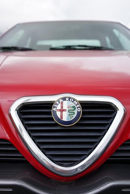 Alfa Romeo 164 in detail