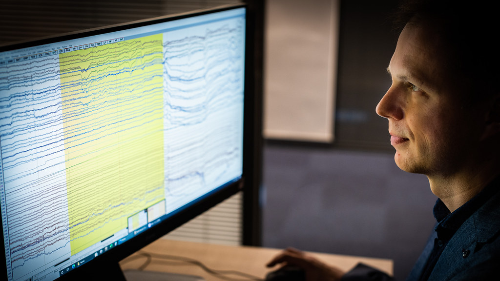 Dr Stothart has led on the development of Fastball EEG