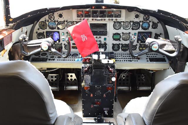 Lodestar N631LS Cockpit