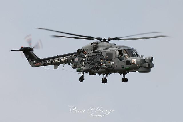 LYNX-HMA8SRU-671-XZ722-14-10-07-RAF-MILDENHALL-(1)