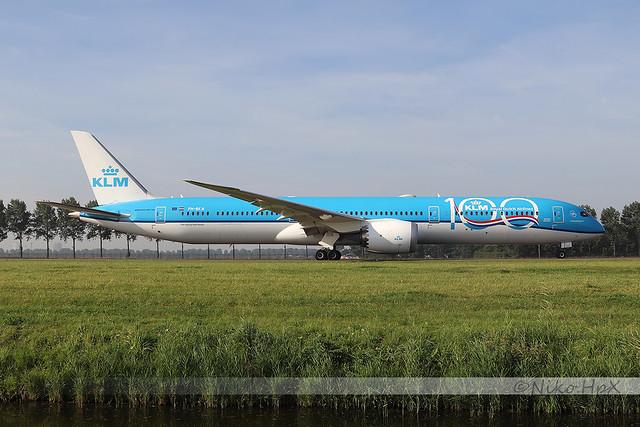 Boeing 787-10 Dreamliner KLM Royal Dutch Airlines PH-BKA