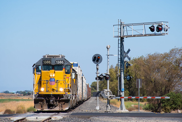 UP 1386 EMD GP40-2 - LRS45R - Tracy