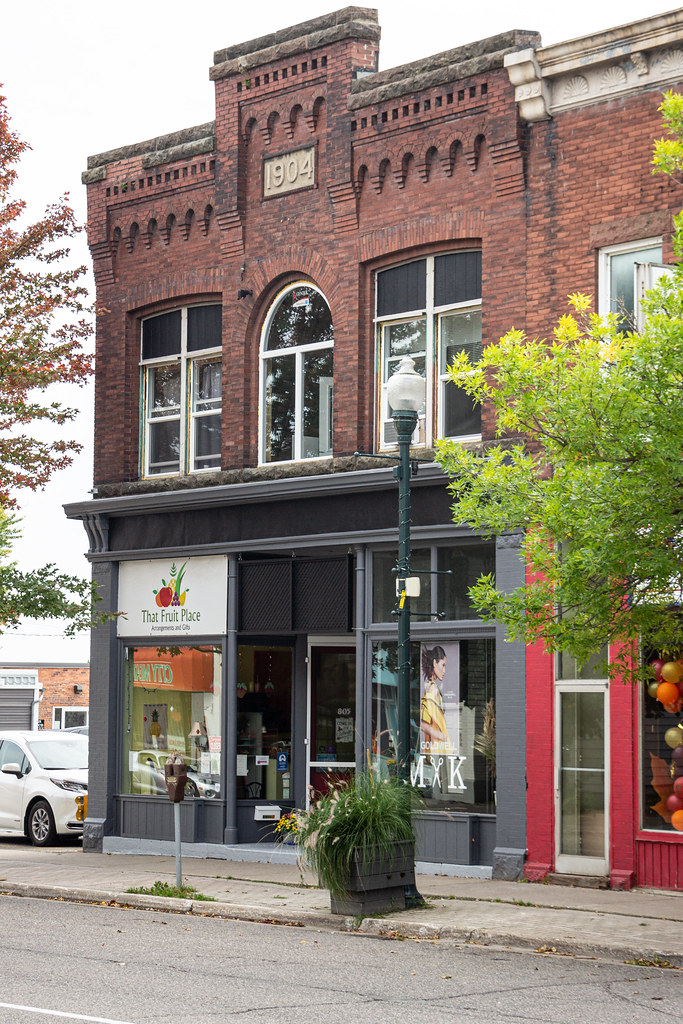 Nos. 801, 803, & 805 Queen Street East, Sault Ste. Marie, Ontario, Canada