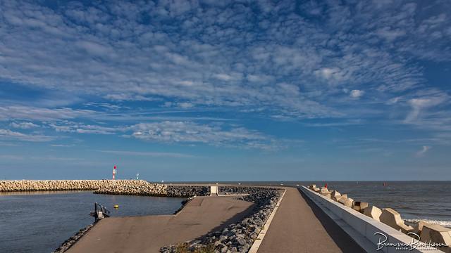 Cadzand marina entrance