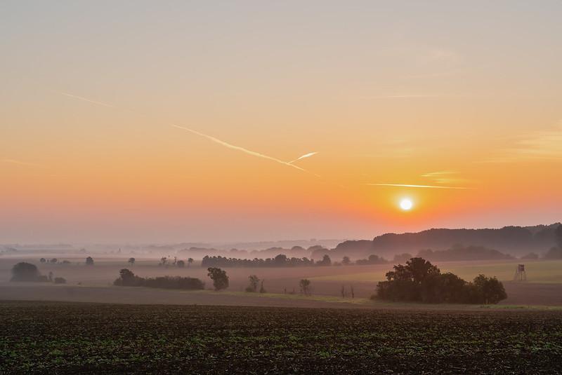 Sonnenaufgang über dem Land
