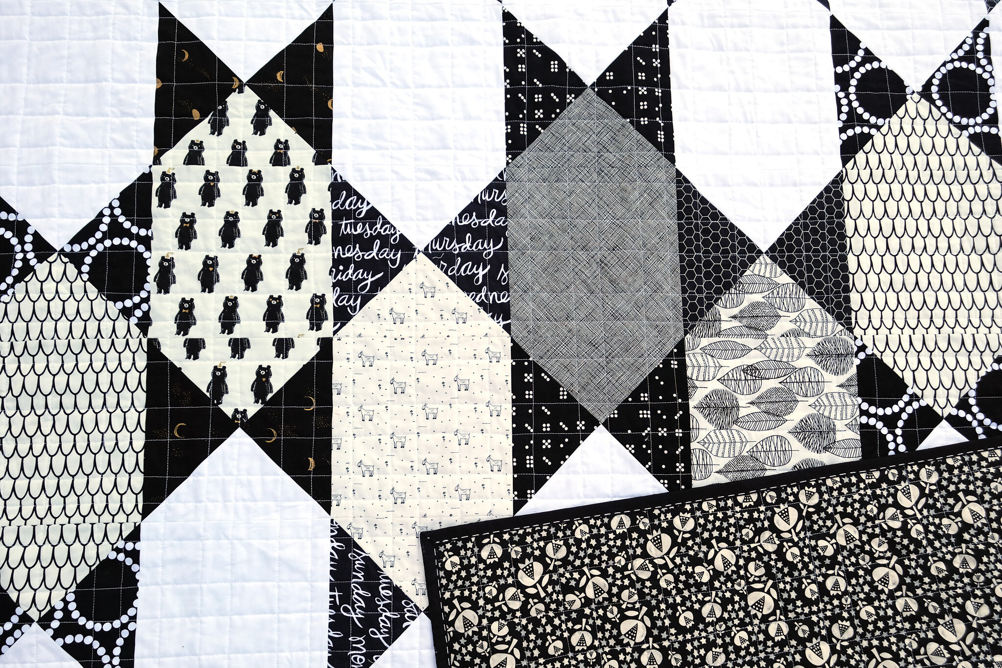 The Abigail Quilt in Black and White - Kitchen Table Quilting