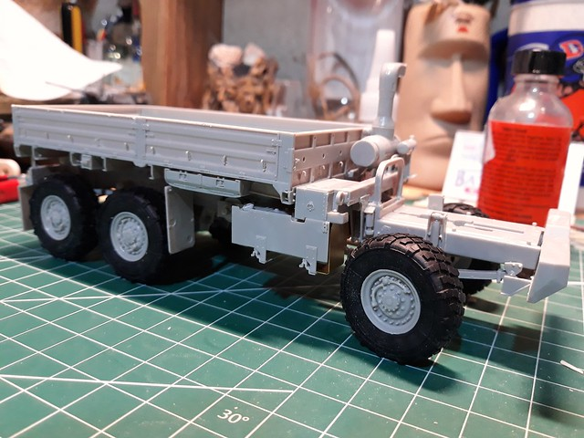 TRUMPETER 1/35 scale M1083A1P2. working progress..