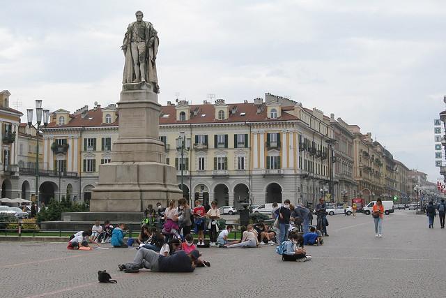 IMG_0063 - Lezione in piazza sotto lo sguardo di Barbaroux