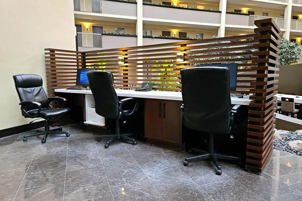 Embassy Suites Philadelphia Airport [05]