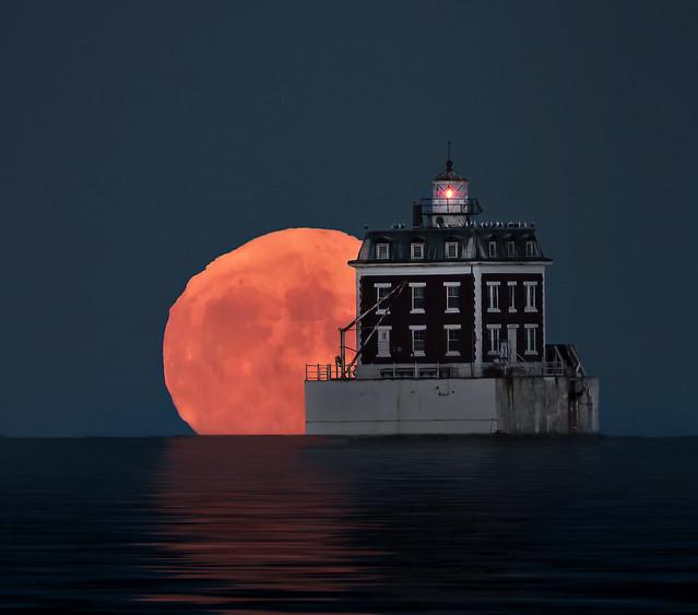 Harvest Moonrise New London Lighthouse