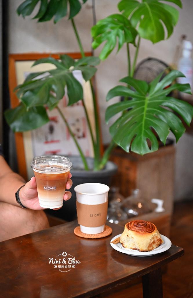 5J cafe BOB大里花市咖啡肉桂捲10
