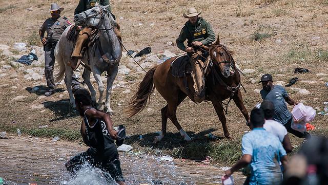 mexico-border-migrant-camp-04