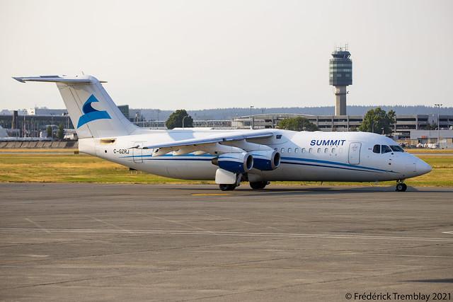 Summit Air / Avro RJ100 / C-GZRJ / YVR