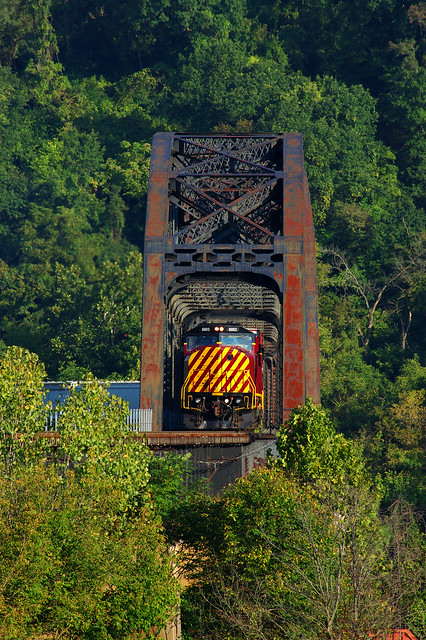 AVR 6003 South, Monongahela River bridge, Pittsburgh, Pa_