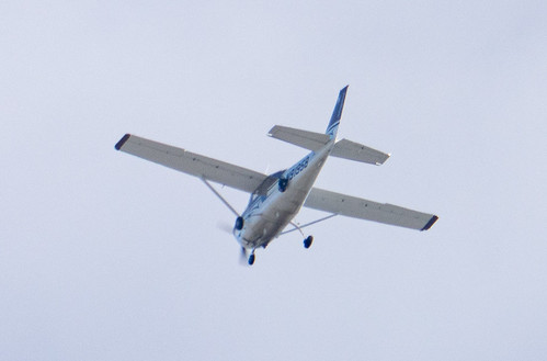 N9195B Circling Over Minneapolis
