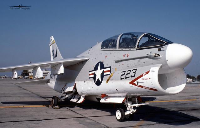 156740 'NJ223' TA-7C VA-122 USN