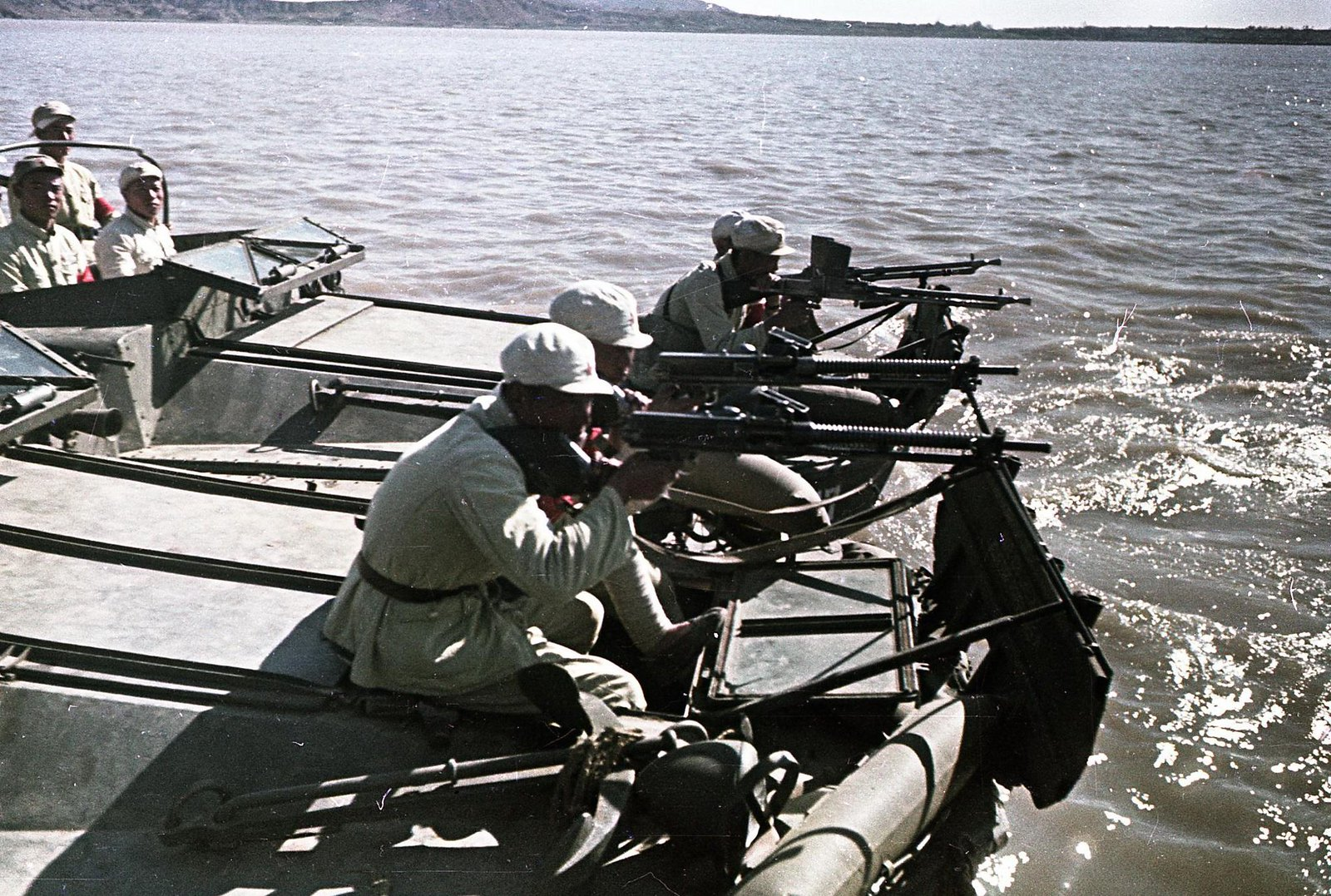 1949. На реке Янцзы. Десант