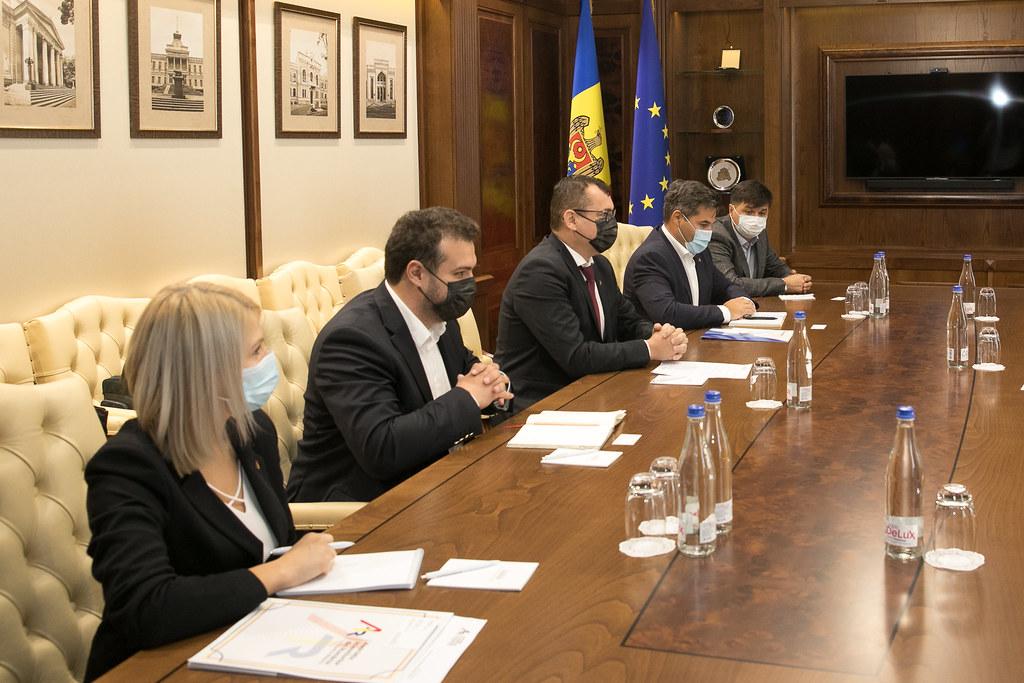 22.09.2021 Întrevederea Președintelui Parlamentului, Igor Grosu, cu Asociația Investitorilor din România