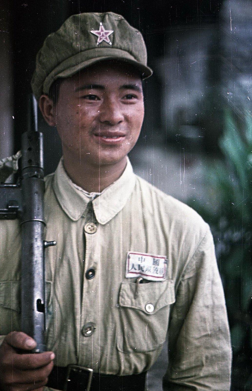1949. Боец Народно-освободительной армии Китая