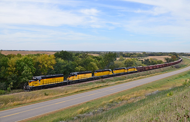 2013 10-08 1551.4 DAIR SD40-2-3030, SD39-4028, SD40-2-3026, 3029, GP9-23 S/B in Inspiration Hills, IA