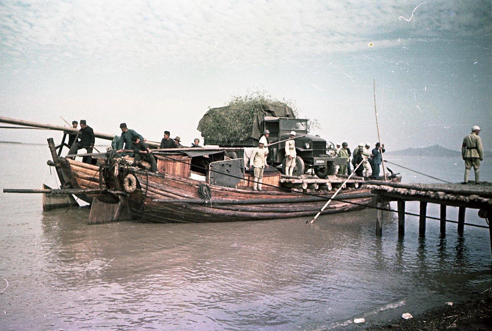 1949. На реке Янцзы. Десант3