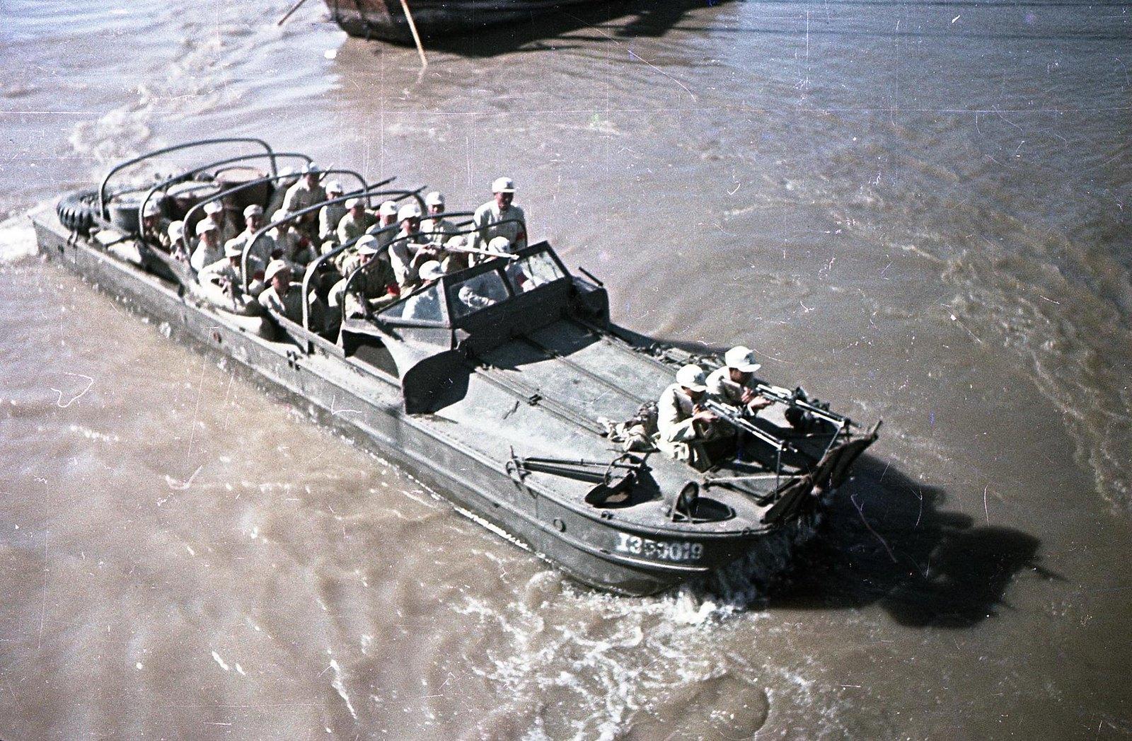 1949. На реке Янцзы. Десант1