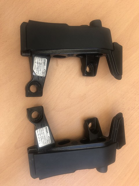 LONGITUDINAL MEMBER MOUNT WITH COVER - SET LEFT AND RIGHT SMART ROADSTER 452