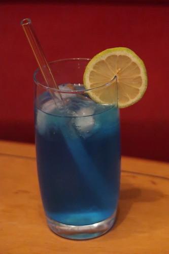 """Cocktail """"Blue Lagoon"""" nach dem Baden"""