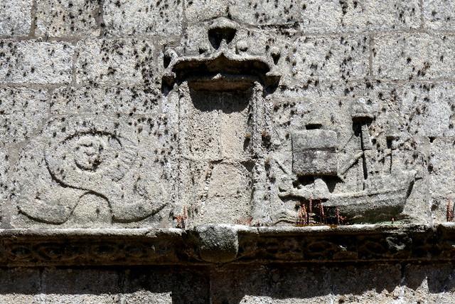 Caravelle de granit, église gothique Notre-Dame de Croaz Batz, Roscoff, Pays de Léon, Finistère, Bretagne, France.