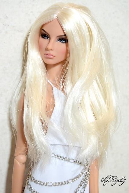 Agnes Versace2