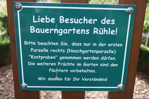 Schild am Eingang des Bauerngartens Rühle