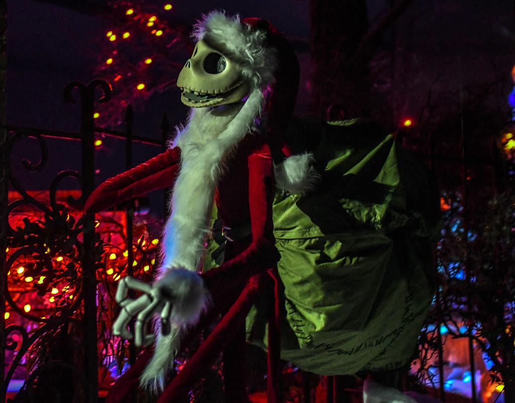 Jack Skellington santa Haunted Mansion Holiday DL