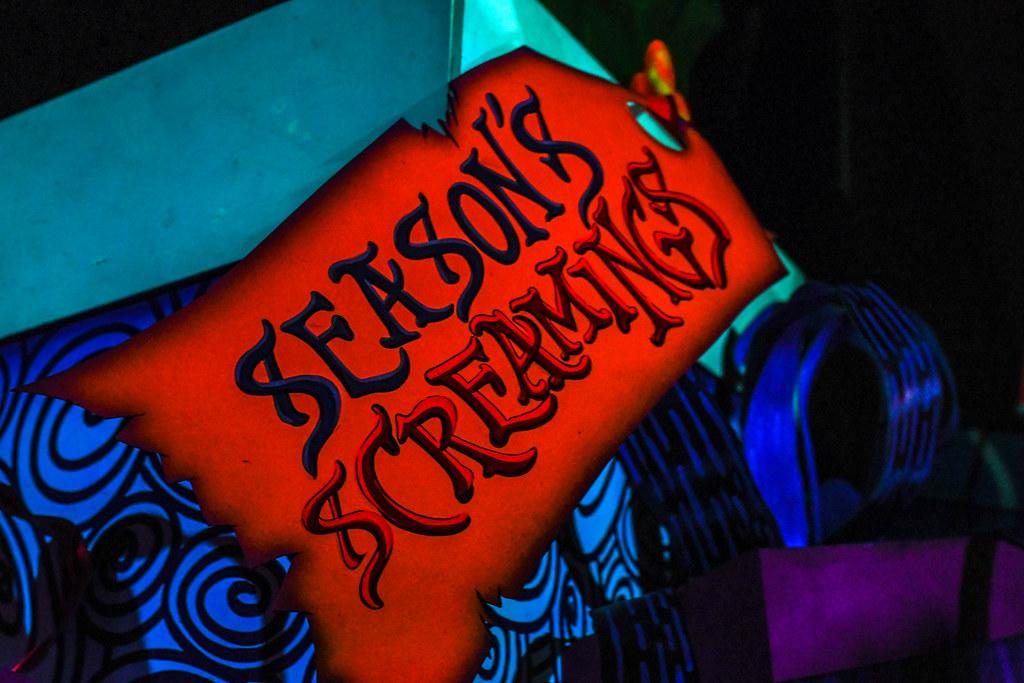 Seasons screamings Haunted Mansion Holiday DL