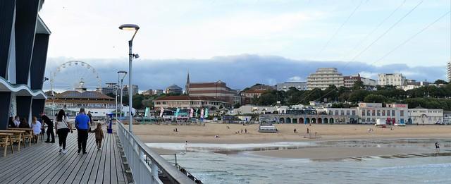 Bournemouth East Beach. Panasonic Lumix DMC-FZ1000. P1290961+3