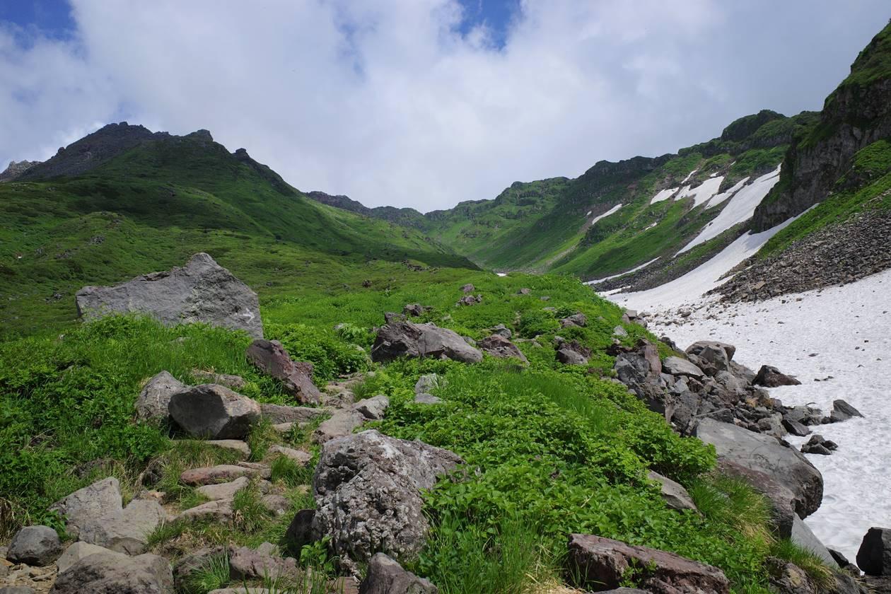 夏の鳥海山 山小屋泊登山
