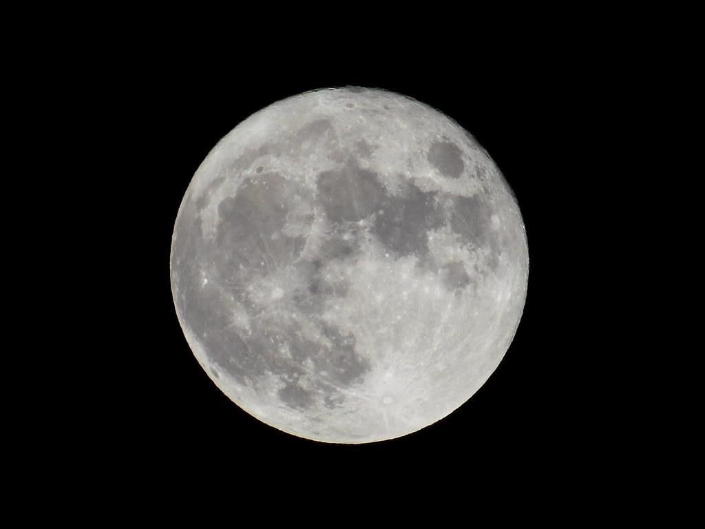 8年ぶりに「中秋の名月」が満月だった